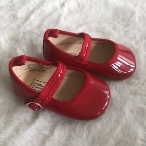 Baby gap 3-6 months red shoes